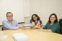 CPA entrega o 4º Relatório de Autoavaliação da UEM ao Reitor